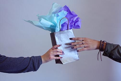gift-givingweb
