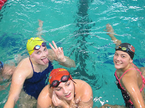Both GP and Snohomish swimmers at practice.