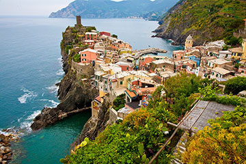 Cinque Terre is a village in Italy that Mr. Parker's students usually visited during their trip. Credit: pixabay.com